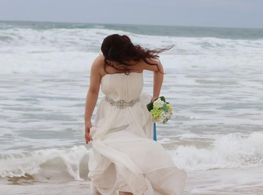 Ichoro & Kotoe  beautyful couple from Japan at Kekaha Beach Kauai, married, Hawaii, fun, beach shooting, love