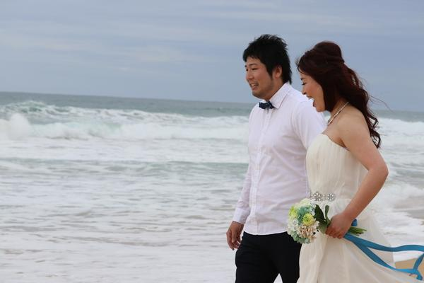 Ichoro & Kotoe  beautyful couple at Kekaha Beach Kauai, married, Hawaii, fun, beach shooting, love